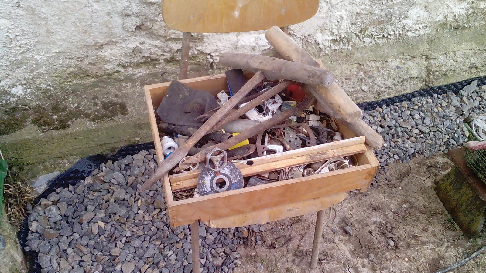 Poklady z našich chalúp - Všehochuť náradia povynášaného zo šopy