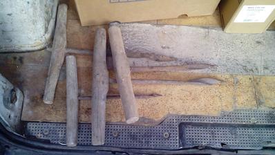 Zbierka starých vrtákov (nebožiec) ktoré sa používali pri stavbe dreveníc a krovov.