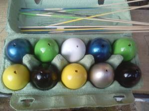 Prvých 10 vajíčok pripravených na ďalšie krášlenie. :o)