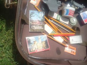 To sú všetko veci zo 60-tych a 70-tych rokov minulého storočia. Knižôčky, ktoré sa dali kúpiť na hradoch pri ich návštevách. :o)