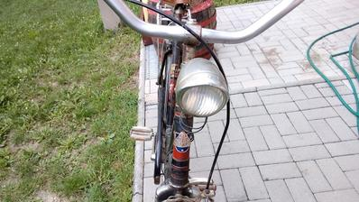 Takúto krásnu lampu už dnes asi človek veru nekúpi...