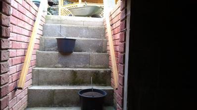 Pekne po schodoch - po schodoch...a môj bedrový kĺb sa mi za to odmení minimálne jednou bezsennou nocou. :o(