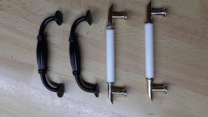 Nábytkové kovanie z Aliexpressu - Pre porovnanie staré a nové madlá. (rozteč skrutiek 96 mm)