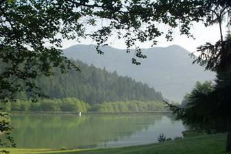 Hneď vedľa je jazero, super na fotenie