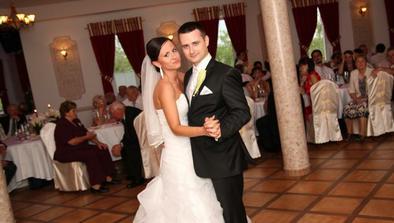 Náš prvý tanec ako manželia ;)