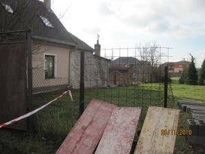 Podepsali jsme kupní smlouvu na pozemek 11/2010