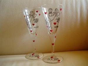 skleničky, já budu mít s nápisem manžílka a on můj nápis