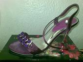 sandálky s ružičkami a štrasovou ozdobou, 38
