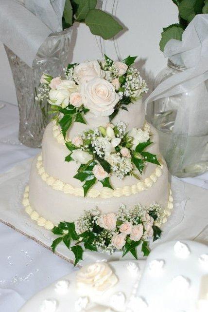 Janka Lošáková{{_AND_}}Peťko Kvaltín - svadobná torta