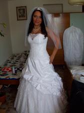 první foto nevěsty :-)