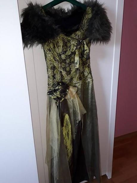 Olivovozelené spoločenské šaty - Obrázok č. 1