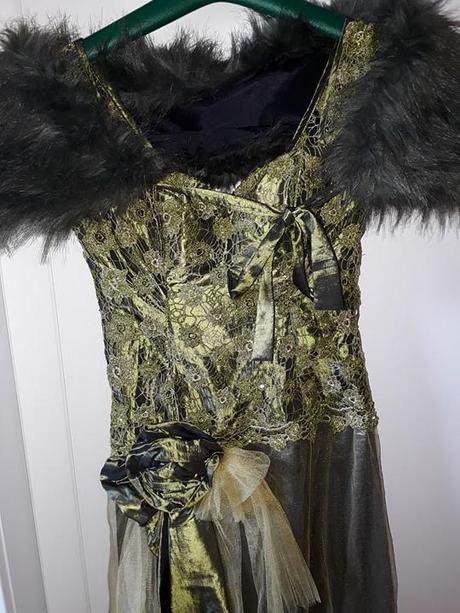 Olivovozelené spoločenské šaty - Obrázok č. 2