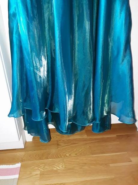 Tyrkysové spoločenské šaty - Obrázok č. 4