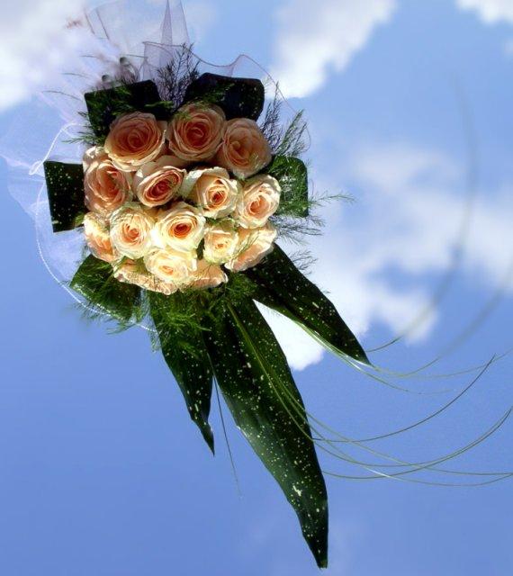 Náš svadobný deň... - svadobná kytica bude s menšou úpravou