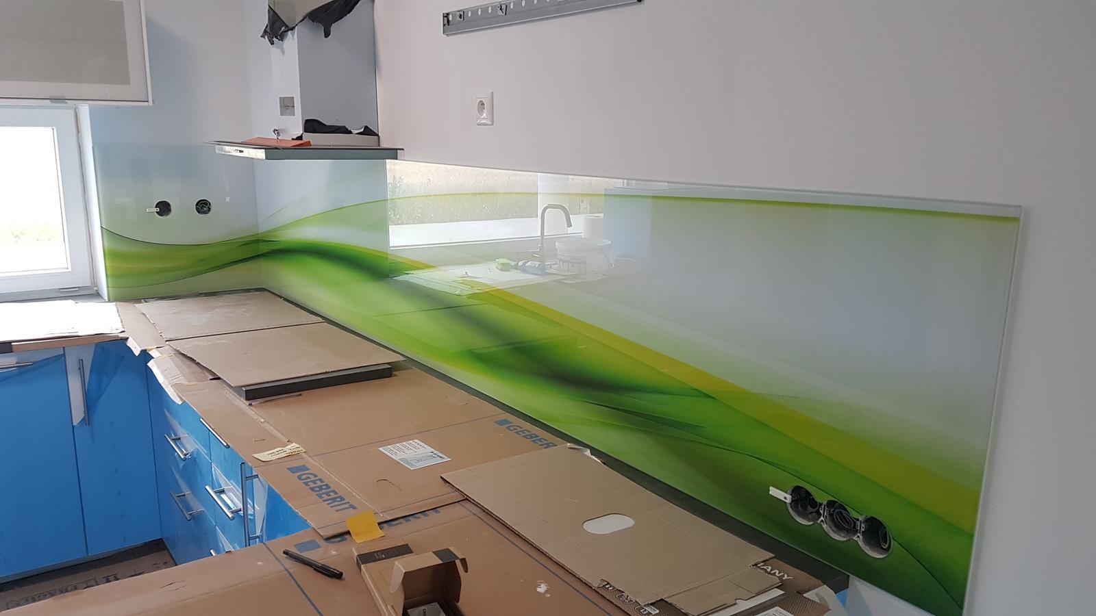 Dodávka a montáž sklenenej zásteny s motívom (Reca). - Obrázok č. 7
