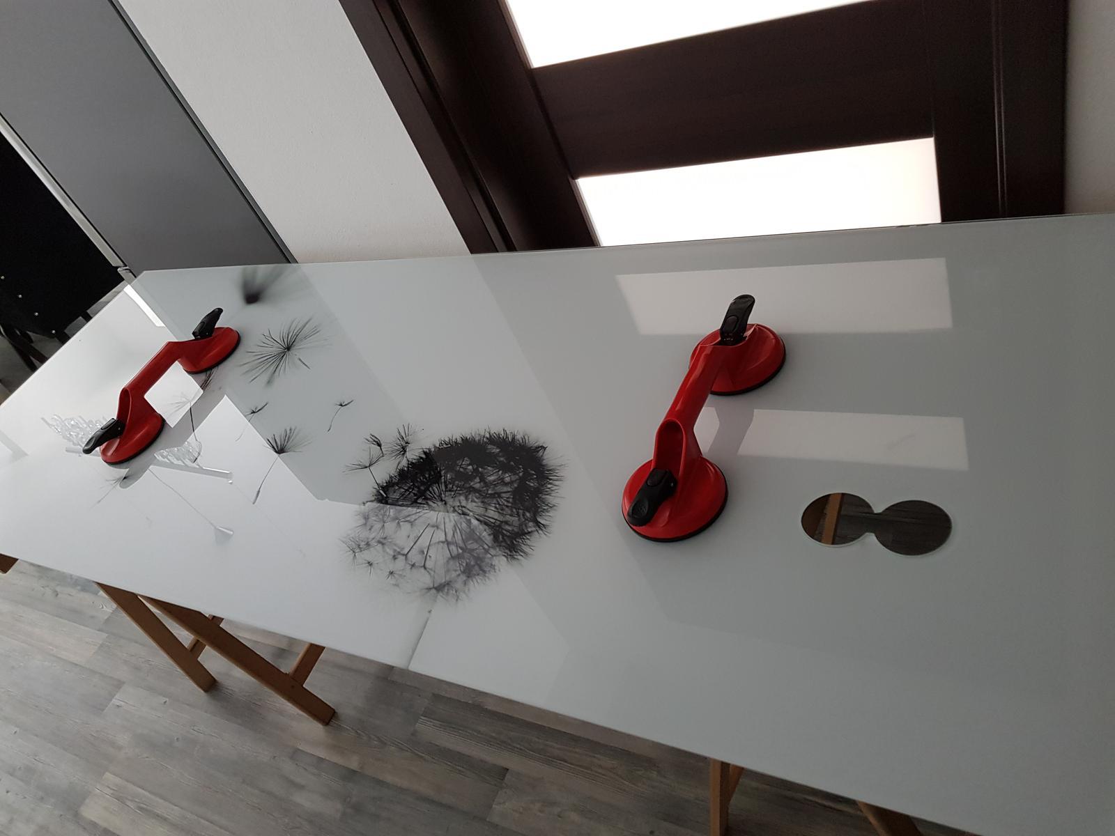 Dodávka a montáž sklenenej zásteny s motívom (Bratislava). - Obrázok č. 4