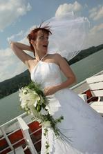 na lodi bylo přeci jen větrno