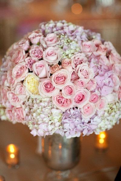 Svatební kytice - minirůžičky a hortenzie