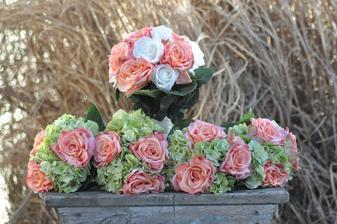 růže a hortenzie