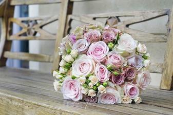 mix růží, minirůže, hortenzie - nádhera