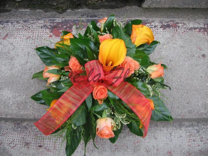 Autocorso něvěsty i ženicha - calla mango a růže