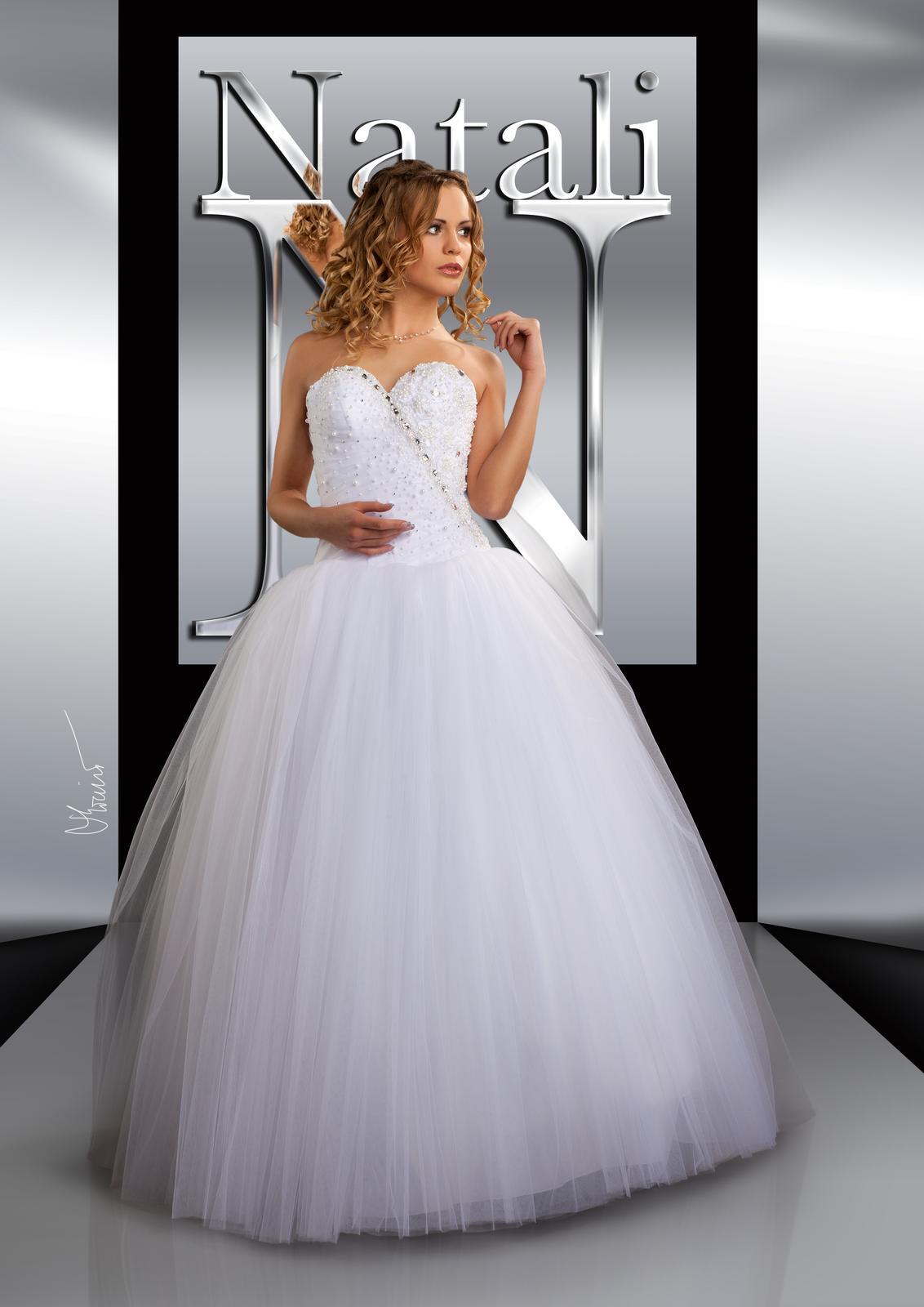 00eec3bdcb0f Svatební šaty s bohatou tylovou sukní a hladkým ko... - str. 2