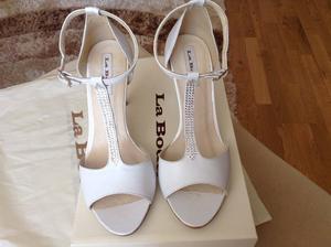 Prvé svadobné sandále--,musela som ich vymeniť za iné..