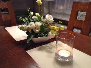 dekoračná kytica na svadobné stoly..