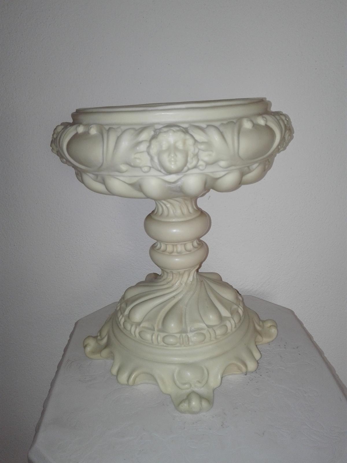 Alabastrová nádoba - Obrázok č. 1