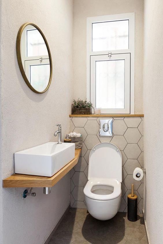 Ahojteeee : ) je tu prosím někdo kdo má na WC nebo i v koupelně tyto kachličky/mozaiku? klidně i menší velikost nebo barva.. : ) a přidal mi fotečku? poslal odkaz?? : ) Děkuji - Obrázek č. 1