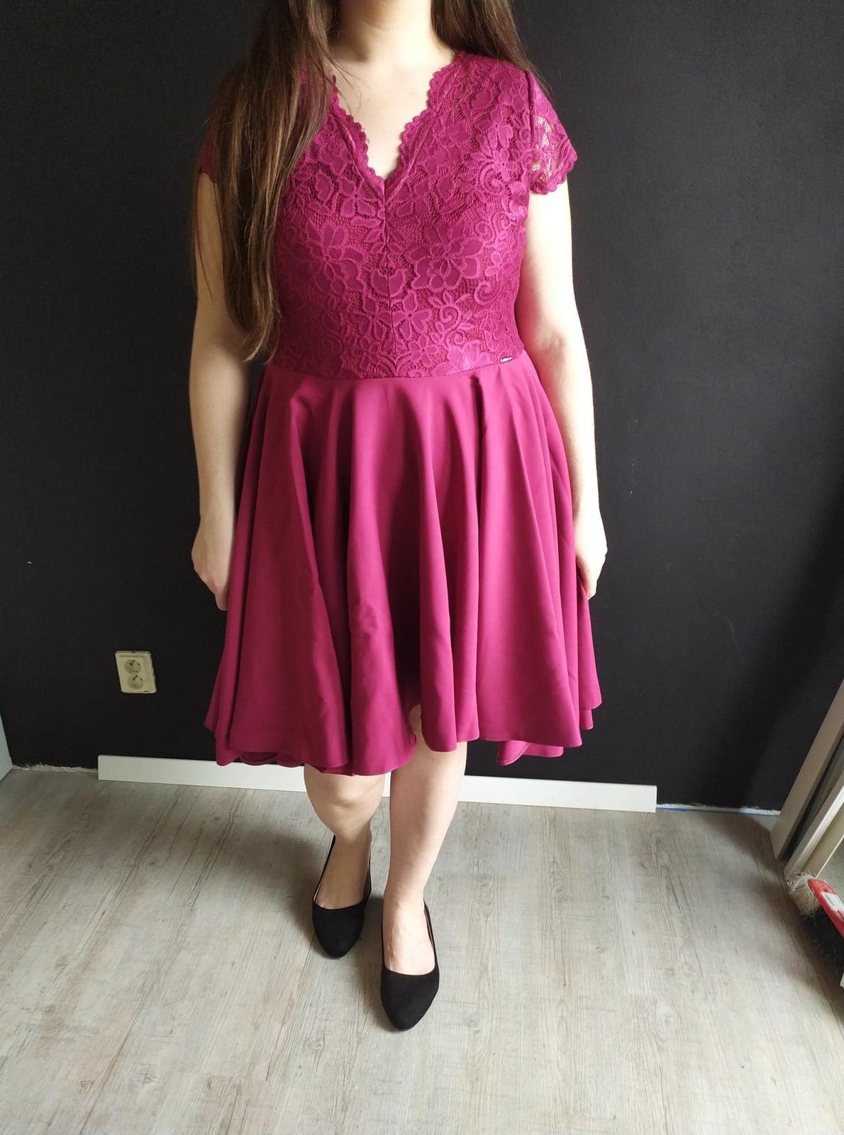 Dámske šaty s krajkou vínovo červené veľ. XXL - Obrázok č. 1