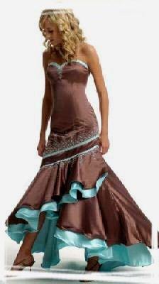 Ako by to mohlo vyzerať..... - pekné šaty po polnoci...
