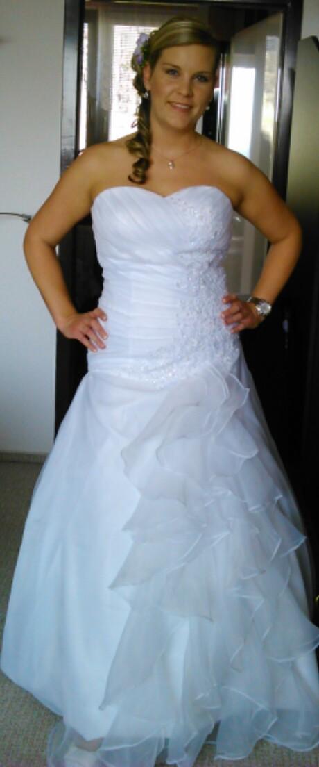 svatební šaty s prodlouženým korzetem vel. 40-42 - Obrázek č. 1