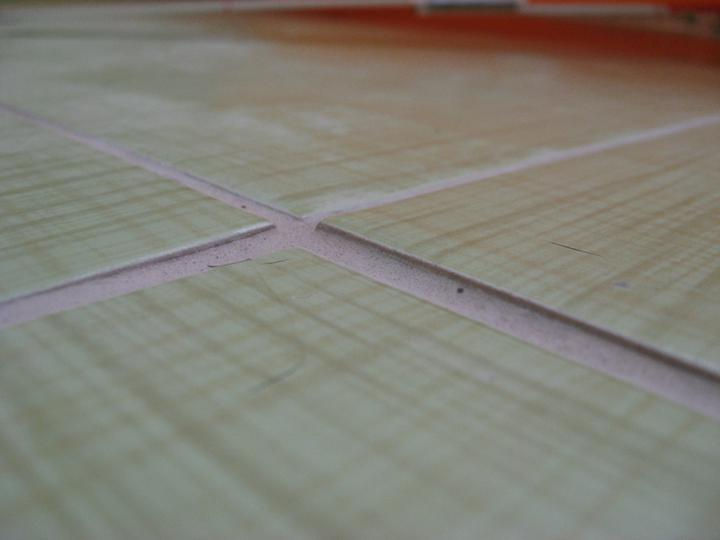P. Lubos Husar (Levice) a jeho praca - tu vidno rovnost podlahy v kupelni