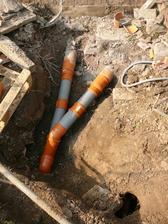 l  nasa zahrada uplne rozrypkana novou kanalizaciou a vedenie plynu