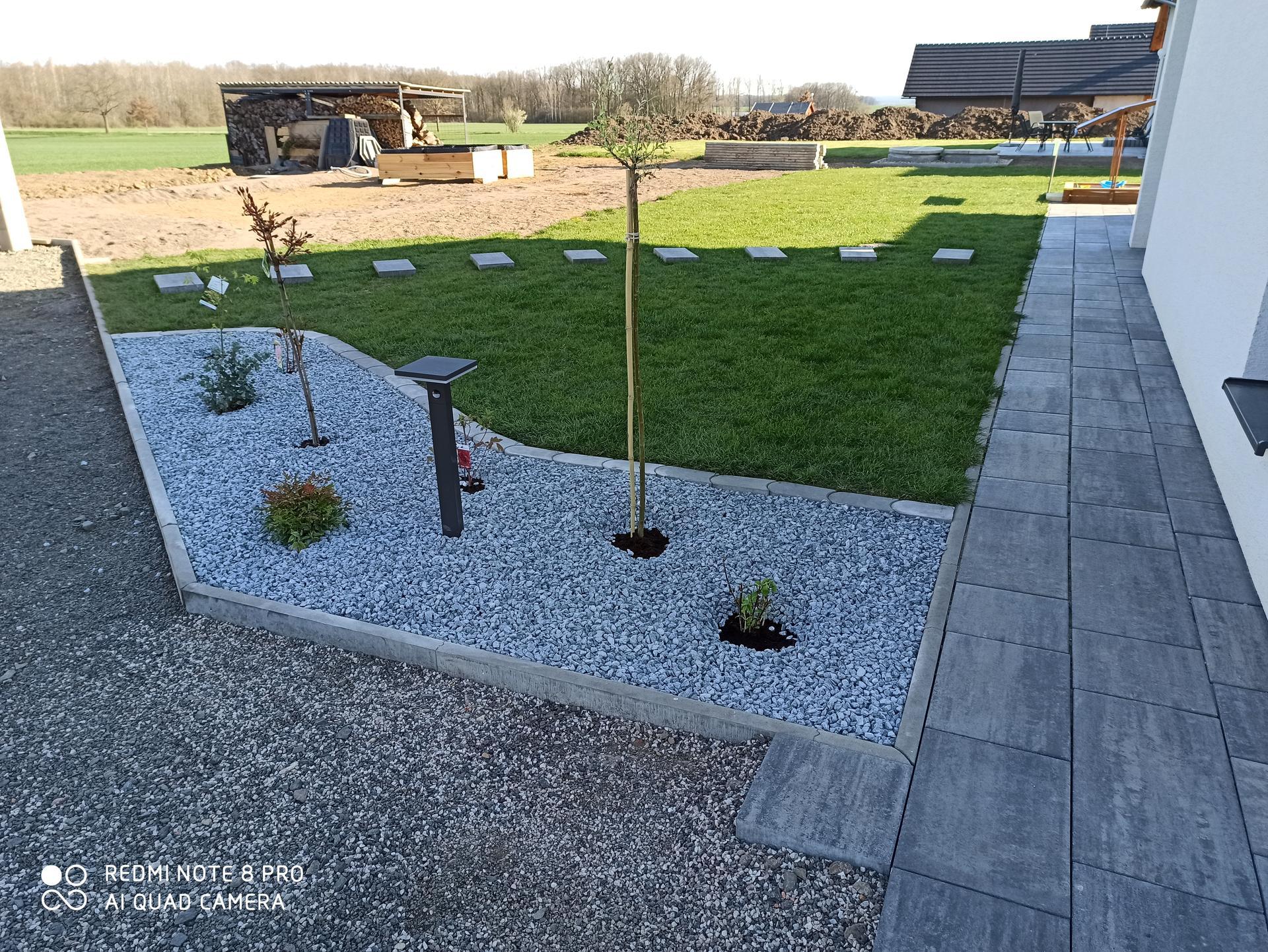 Tvoříme si zahradu... - Obrázek č. 10