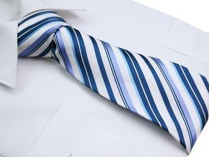 Oba svědci budou muži, proto bych ráda, aby měli stejnou kravatu (modnilimec.cz)