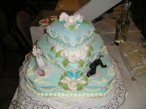 svadobna torticka...ulovila som zenicha:)