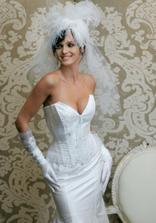 krásné šaty, jen bez tý příšernosti na hlavě :-)