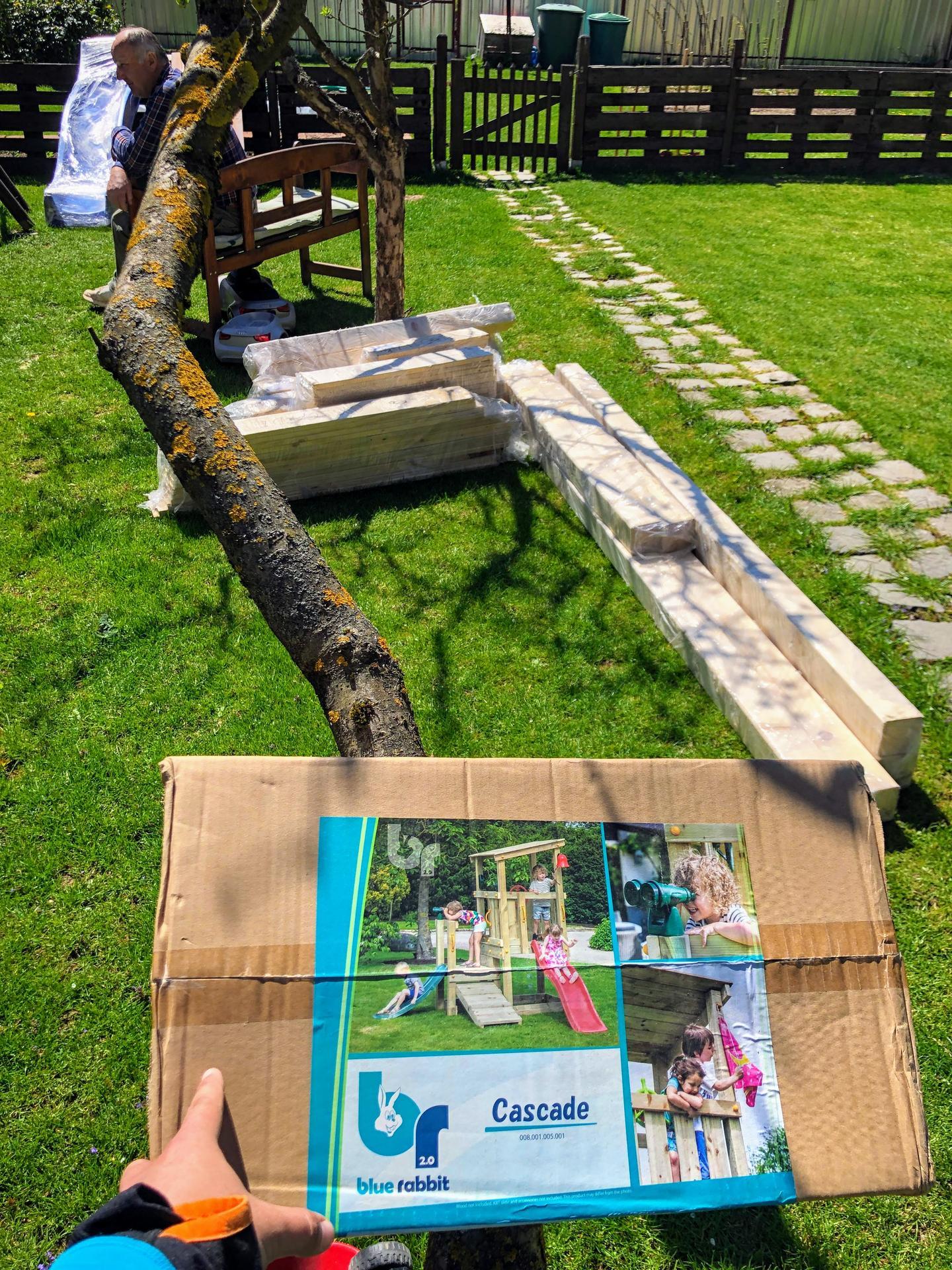 Zahrada a upravy okolo domu - Novy projekt. Hladal som nieco kvalitnejsie nie tie cinske odpady . Objednane z preliezkovo.sk vyrobene v belgicku kvalitna praca, kvalitne drevo,kvalitne spojove materialy, v baleni komplexny navod + prekvapivo, nasady na vrtaky,zemne skrutky atd.