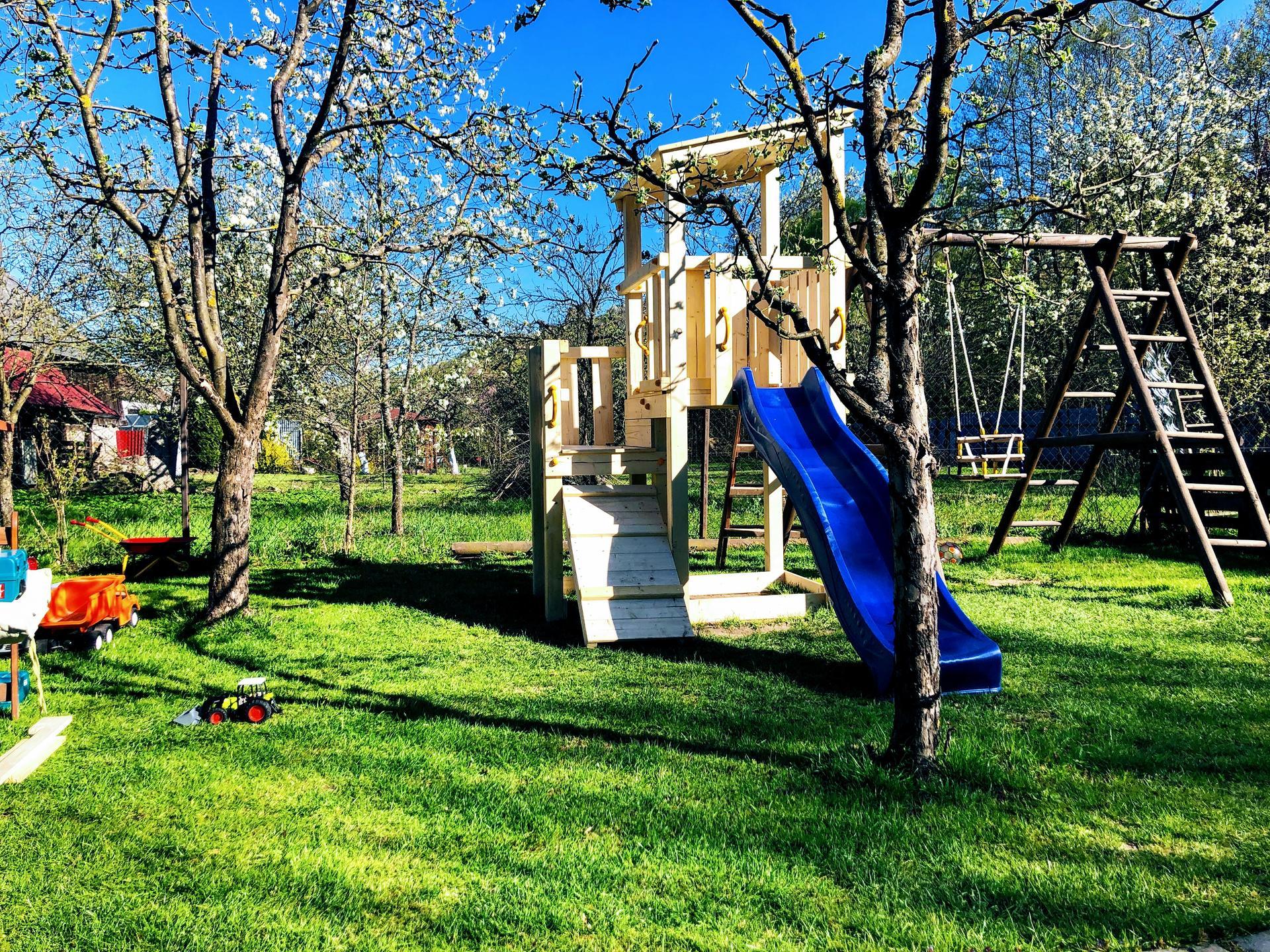 Zahrada a upravy okolo domu - Hotovo
