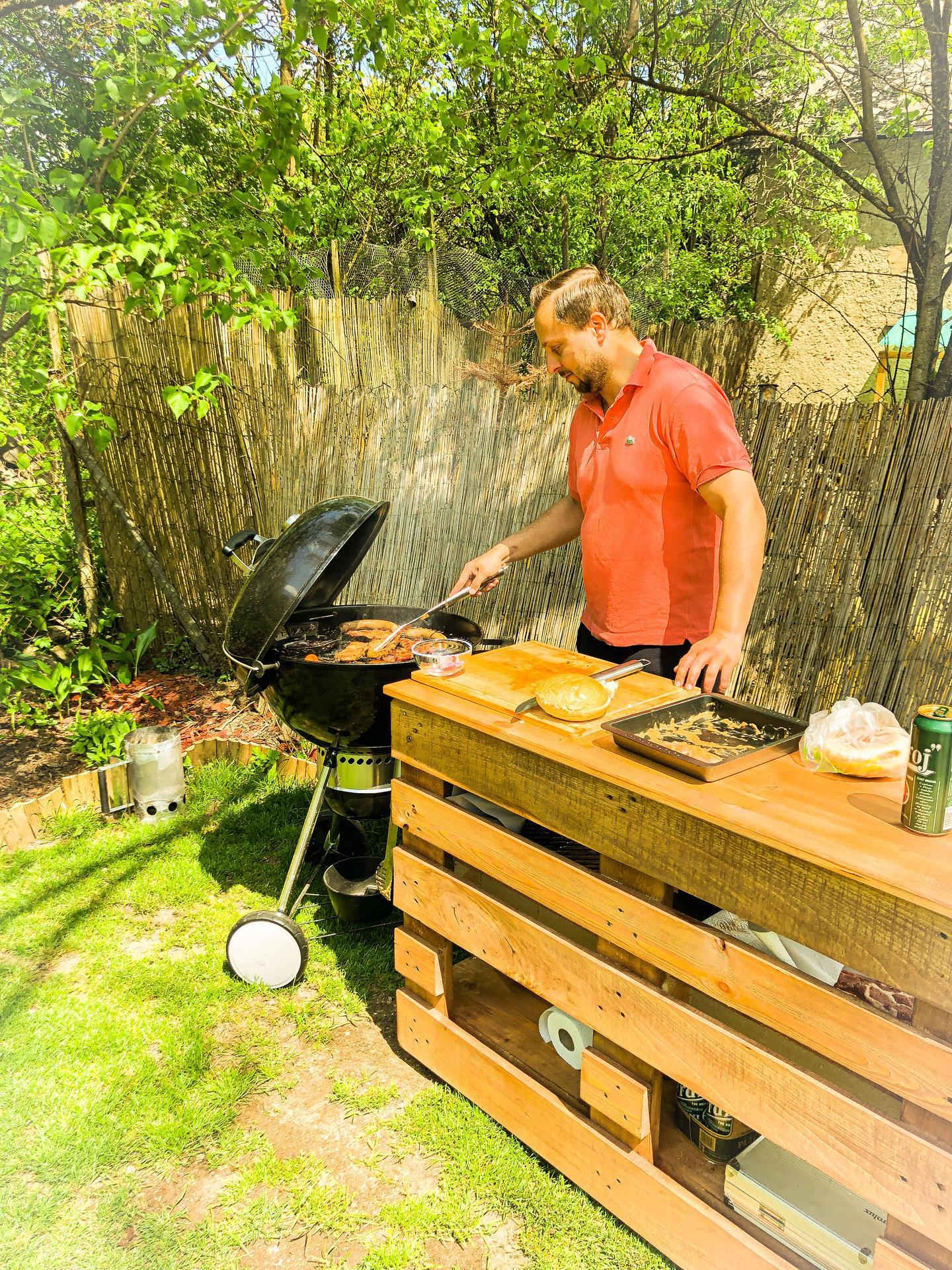 Zahrada a upravy okolo domu - A tak sa z neho tesim