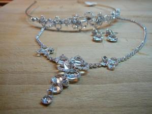 šperky 1...nakonec vybrány tyto...perličky v albu prodávám:)