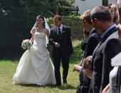 Hezké a pohodlné svatební šaty , 38