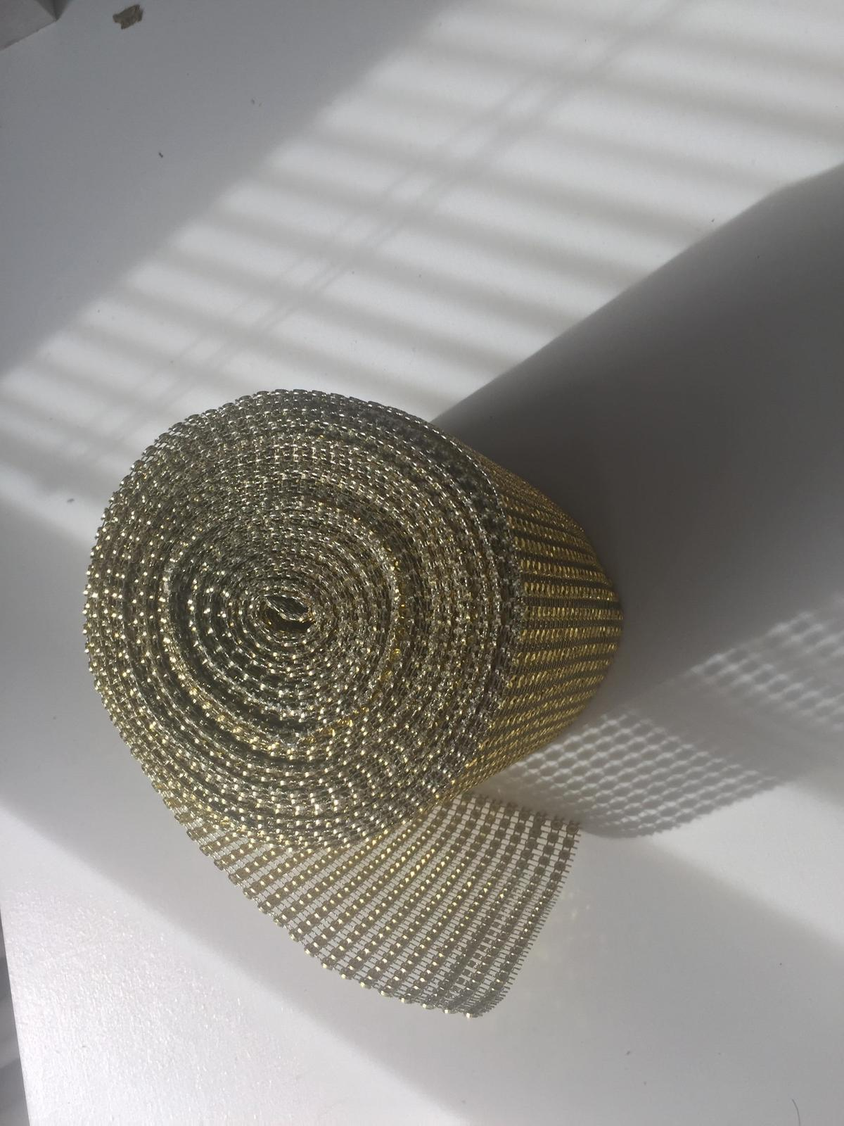Zlata strasova stola na stol  - Obrázok č. 2