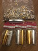 Zlaté a stříbrné konfety,