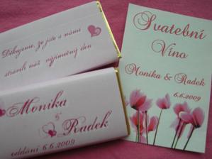 svatební čokoláda a etiketa na vínko