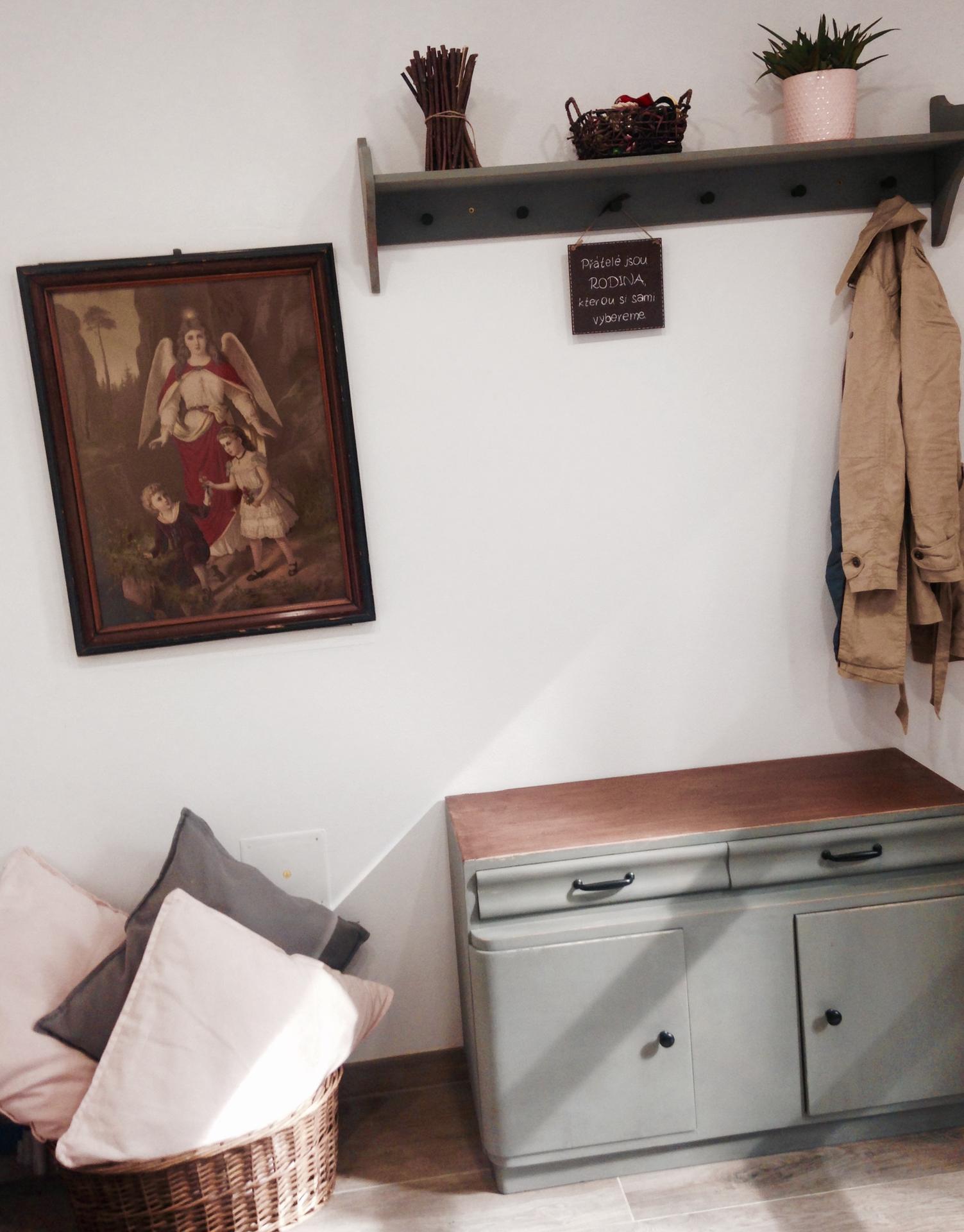 moje malé renovace - a nový botník