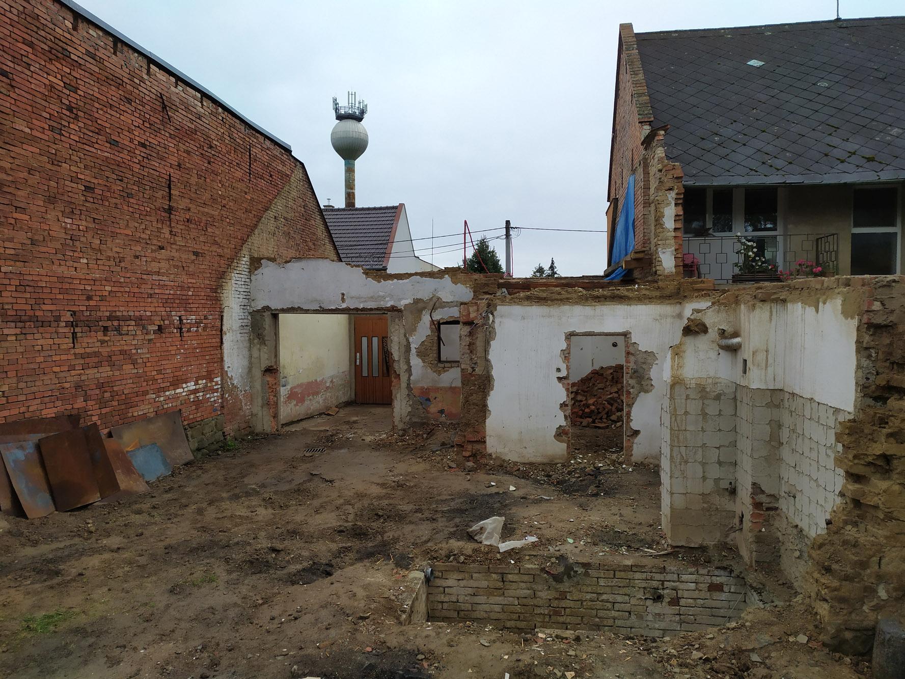 Bourání staré a stavba nové řadovky - Obrázek č. 44