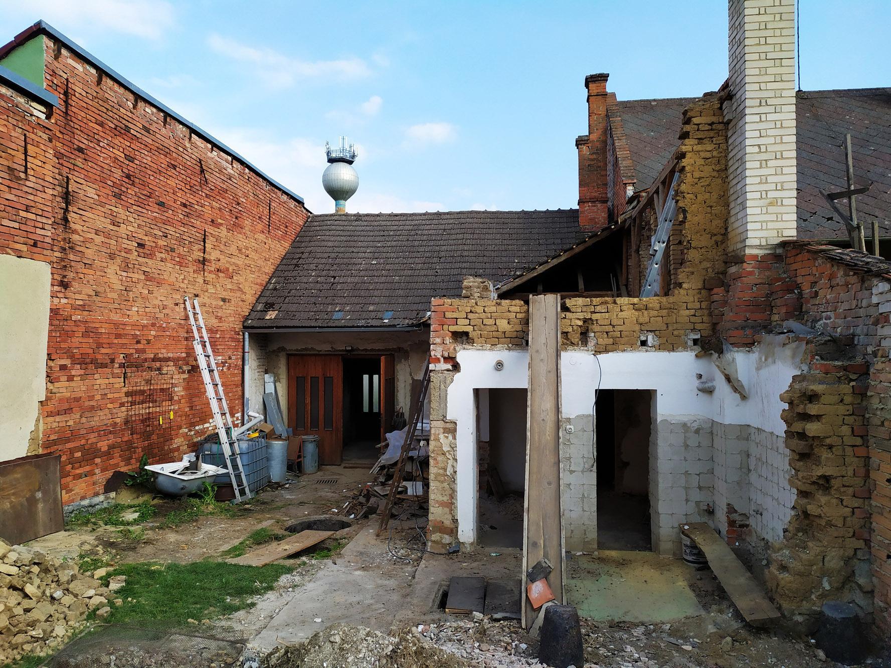 Bourání staré a stavba nové řadovky - Obrázek č. 28